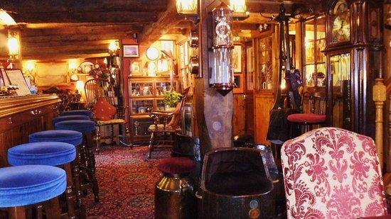 Hidangan Khusus Di St. Vincent Tavern and Wine Merchant